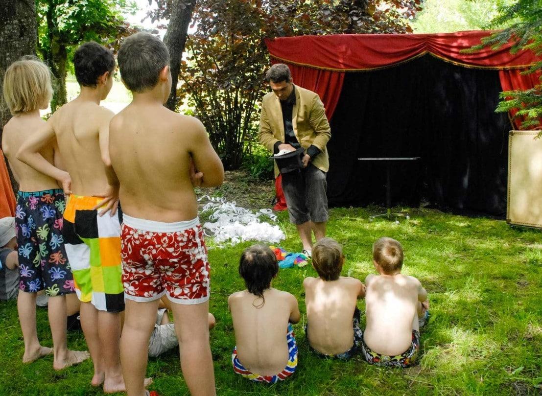 annivesaire domicile enfant animation familiale magie magicien